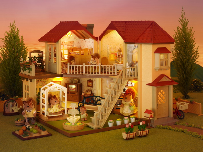 City House with Lights Sylvanian Families Eden Toys www.edentoys.co.za